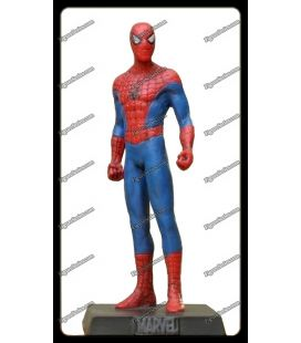 Levar estatueta de homem Aranha Marvel