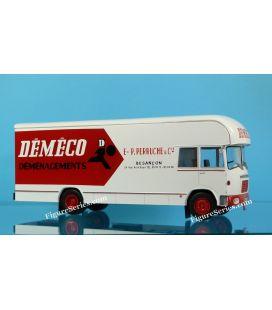 vrachtwagen BERLIET GBK 75 DEMECO verplaatsen